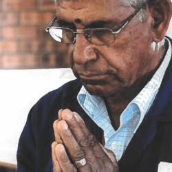 Dayaram praying